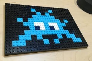 light_blue_on_black_lego